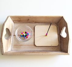 Wooden Montessori tray to invite children to enhance concentration and refine motor skills Montessori Trays, Montessori Education, Montessori Classroom, Montessori Toddler, Montessori Materials, Montessori Activities, Toddler Activities, Coach Parental, Tot Trays