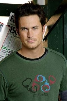 Adam, played by Oliver Hudson, in Rules of Engagement. Oliver Hudson, Kate Hudson, Most Beautiful Man, Gorgeous Men, Hello Gorgeous, Trailers, Fictional Heroes, Eric Bana, Rules Of Engagement