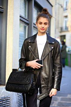 Trendy Fashion Week Models Off Duty Taylor Hill Ideas Taylor Marie Hill, Taylor Hill Style, Outfit Invierno, Riders Jacket, Trendy Fashion, Womens Fashion, Net Fashion, Runway Fashion, Style Fashion