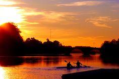 As Canoas II - O rio , a ponte ,e os homens das canoas, por JJMacedo