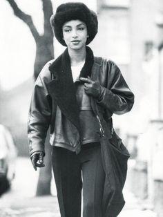 Sade fashion style: Leather aviator jacket and leggings