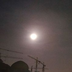 #supermoon in #Baghdad tonight. Bigger and brighter?  It's said that moon was never so close since 1948 and won't come closer again until 2034!