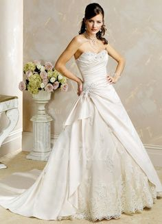 Ball-Gown Sweetheart Chapel Train Beading Appliques Lace Cascading Ruffles Satin Tulle Lace Up Strapless Sleeveless General No Spring Fall Ivory White Wedding Dress