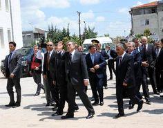 Cumhurbaşkanı Abdullah Gül, 51 kişinin hayatını kaybettiği bombalı saldırı sonrası incelemelerde bulunmak üzere Reyhanlı'da.