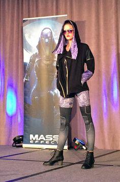 BioWare Fashion show: Mass Effect - Tali hoody & leggings #geekfashion