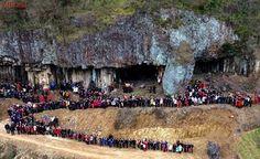 Foto rara de encontro familiar reúne 500 parentes na China
