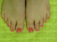 Coral Shellac Toes