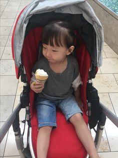 까짓거, 기분이다!! 아이스크림도 하나 사주마!!!