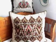 VÁSÁRHELYI HÍMZÉS /45. - YouTube Hungarian Embroidery, Textiles, Embroidery Patterns, Throw Pillows, Clothing, Youtube, Design, Needlepoint Patterns, Outfits
