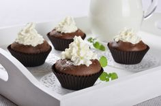 Cupcakes με 3 υλικά. Εύκολα cupcakes μόνο με τρία υλικά!