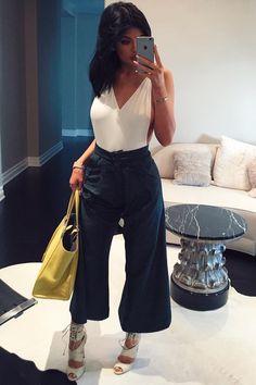 kylie jenner image on We Heart It Moda Kylie Jenner, Style Kylie Jenner, Kendall Jenner Outfits, Fashion Looks, Trend Fashion, Girl Fashion, Fashion Outfits, Estilo Kardashian, Kardashian Style