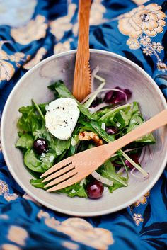 walnut goat cheese salad