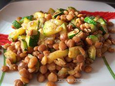 Ensalada de lentejas y calabacín Ver receta: http://www.mis-recetas.org/recetas/show/10902-ensalada-de-lentejas-y-calabacin