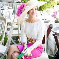 ¿Qué me pongo? La típica pregunta que nos hacemos cuando nos invitan a una boda y en @bogadiamag tenemos la respuesta para que seas la invitada perfecta ¡No te lo pierdas! www.bogadia.com #moda #look #estilismos #boda #bodas #matrimonio #wedding #verano #bogadia