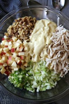 Light and delicious, this easy chicken salad recipe is my favorite ways to keep lunch simple. Light and delicious, this easy chicken salad recipe is my favorite ways to keep lunch simple. Chicken Salad With Apples, Chicken Salad Recipes, Healthy Salad Recipes, Salad Chicken, Easy Apple Salad Recipe, Chicken Salad Healthy, Pasta Salad, Waldorf Chicken Salad, Greek Yogurt Chicken Salad