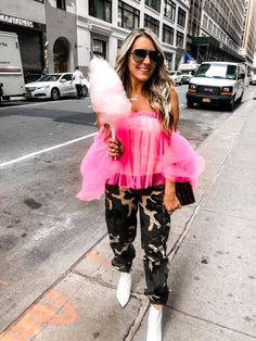 I seriously haven't caught up on sleep yet and I'm leaving again for a press trip Wednesday. And then it starts to get ... The post Recap: NYFW September 2019 appeared first on The Samantha Show- A Cleveland Life   Style Blog. How To Make Money, How To Wear, We Wear, Holiday Fashion, Abandoned Castles, Abandoned Homes, Luxury Lifestyle, Off Shoulder Blouse, Style Blog