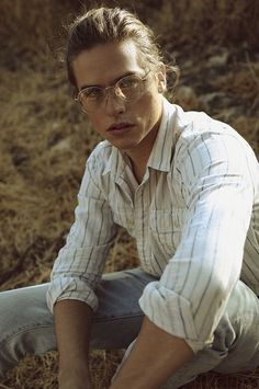 Dylan Sprouse from 1990 magazine.