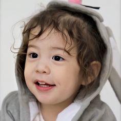 Cute Kids, Cute Babies, Baby Kids, Superman Kids, Superman Wallpaper, Eden Park, Baby Park, Cute Baby Photos, Meme Faces