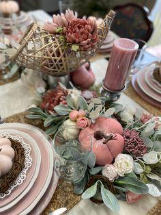 Thanksgiving Table Settings, Thanksgiving Decorations, Holiday Tablescape, Table Decorations, Holiday Decor, Fall Home Decor, Autumn Home, Pink Pumpkins, Hello Autumn