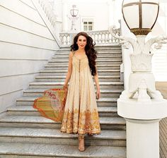 Karisma Kapur for Pakistan's Fashion Brand Crescent Lawn, in their Spring 2013 Lawn Collection, clothes designed by Faraz Manan, Photographer: Dabboo Ratnani