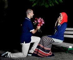 This collection of 200 Most Romantic Muslim Couples Islamic Wedding Pictures will amaze you with how romantic the bride and groom can look for their Islamic wedding. Romantic Photos, Romantic Couples, Cute Muslim Couples, Cute Couples, Islam Marriage, Poor Children, Coran, Outfit Trends, Sweet Couple