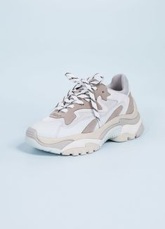 Ash Grey and Blue Chunky Sneakers The Effective Pictures We Offer You About chunky sneakers outfit f Nike Air Shoes, Adidas Shoes Women, Adidas Sneakers, Shoes Sport, Chunky Shoes, Chunky Sneakers, White Sneakers, Trendy Shoes, Casual Shoes