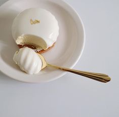 Cute Desserts, Dessert Recipes, Dessert Food, Good Food, Yummy Food, Think Food, Cafe Food, Aesthetic Food, White Aesthetic