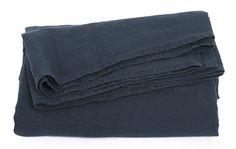 #LeMondeSauvage - drap plat lin coloris bleu nuit - Le Monde Sauvage http://www.lemondesauvage.com/