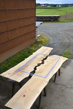 """""""River Collection"""" - Série de meubles créés avec beaucoup de talent par le Designer Greg Klassen, qui mélange bois et verre découpé à la main pour imaginer des tables incrustées de lacs et de rivières, inspirées par les paysages et la topographie de sa région du Pacific Northwest …"""