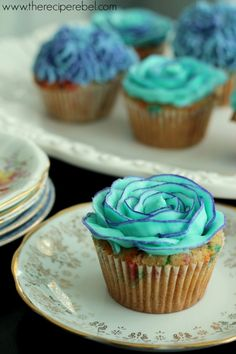{Whole Wheat} Funfetti Cupcakes with Two-Tone Buttercream Rose Tutorial - The Recipe Rebel Baking Cupcakes, Yummy Cupcakes, Cupcake Cookies, Blue Cupcakes, Frosting Recipes, Cupcake Recipes, Dessert Recipes, Yummy Treats, Delicious Desserts