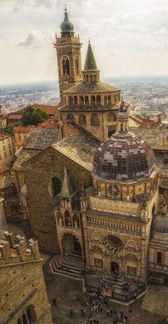 Basilica Santa Maria Maggiore (1137-XVII). Romanico, barrocco. Bergamo, Lombardia, Italia.