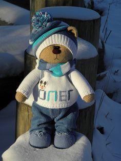 How to Crochet a Bear - Crochet Ideas Knitted Bunnies, Knitted Teddy Bear, Crochet Teddy, Crochet Bunny, Knitted Dolls, Cute Crochet, Crochet Animals, Crochet Dolls, Crochet Doll Pattern
