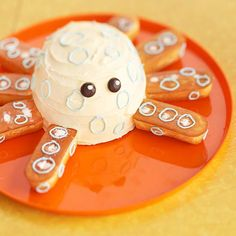 octopus cake for an under the sea birthday party