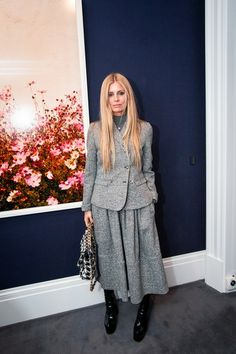 Tweed of the Town: Stella Tennant and Isabella Cawdor Hosted a Modern-British Art Cocktail at Sotheby's London Hugo Guinness, Laura Bailey, Stella Tennant, Fashion Pictures, World Of Fashion, Short, Passion For Fashion, Peplum Dress, Autumn Fashion