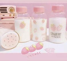Cute Water Bottles, Glass Water Bottle, Glass Bottles, Snacks Japonais, Tout Rose, Baby Pink Aesthetic, Cute Strawberry, Kawaii Room, Cute Cups