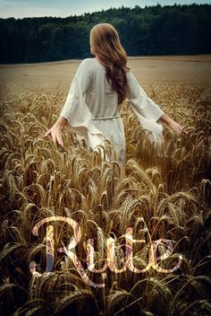 She walked through fields of gold 🌾 Fields Of Gold, Girl Photography, Creative Photography, Field Of Dreams, Wheat Fields, Belle Photo, Senior Pictures, Beautiful Pictures, Photoshop