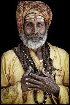 Quando a alma está feliz, a prosperidade cresce, a saúde melhora, as amizades aumentam, enfim, o mundo fica de bem com você...! O mundo exterior reflete o universo interior Mahatma Gandhi