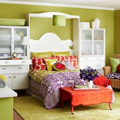 I love the look of the built-in headboard and it would be perfect in our new house.....