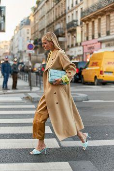 Street style at Paris Haute Couture Fashion Week spring/summer 2020 Best Street Style, Spring Street Style, Street Chic, Street Style Women, Olivia Palermo, Paris Street Fashion, London Fashion, Moda Paris, Paris Mode