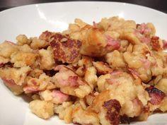 Farz buen salés (Pâte à crêpes épaisse cuite façon œufs brouillés), facile et rapide! Très bon, parfait avec une salade vert pour un repas léger le soir