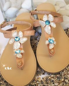 leather sandal with flower