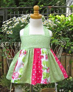 Schöne farbenfrohe Tunika/ Top mit kleinen und großen Pünktchen 100% Baumwolle. Die Stoffe werden vor der Verarbeitung bei 40 Grad vorgewaschen, ...