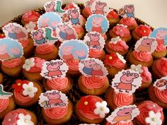 #cupcakes Peppa Pig Cupcakes #peppapig #cupcake     If you like this pin, re-pin or like it :)   http://subjectbase.com