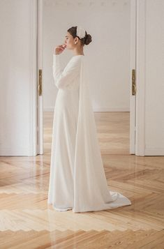 Elegant Wedding Dress, Dream Wedding Dresses, Akad Nikah, Weeding Dress, Wedding Events, Weddings, One Shoulder Wedding Dress, Marie, Wedding Hairstyles