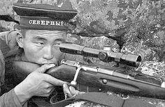 Советский снайпер, бурят Радна Аюшеев из 63-й бригады морской пехоты