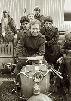 we are the mods Mod Scooter, Lambretta Scooter, Scooter Girl, Vespa Scooters, Mod Girl, Teddy Boys, Retro Pop, 60s Mod, Skinhead