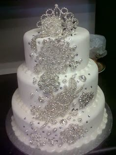 Bling cake, perfect for a winter wedding!