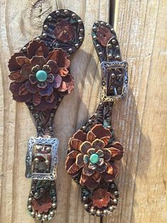 Theses are some sweet spur leathers! Beautiful spur straps with flowers . Hand made by The Rowdy Cowgirl. Turquoise and brown with silver buckle Western Horse Tack, My Horse, Horse Love, Horse Riding, Western Style, Cowgirl Style, Gypsy Cowgirl, Cowgirl Fashion, Western Wear