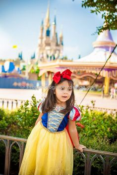 Disney's Magic Kingdom photo session - Snow White