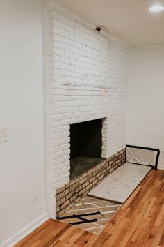 Most up-to-date Photographs Brick Fireplace hearth Popular – Rebel Without Applause Fireplace Fronts, Wooden Fireplace, Fireplace Hearth, Home Fireplace, Fireplace Inserts, Fireplaces, Brick Hearth, Living Room Built Ins, Old Bricks